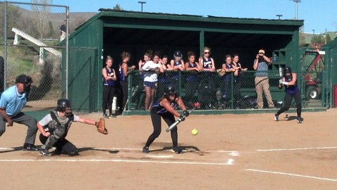 Natalie Yonan with a perfect squeeze bunt