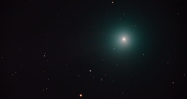 Dr. Bateson's astrophoto of comet Lovejoy at the point in its journey closest to the Earth.