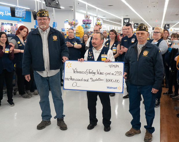 WalMart Celebrates Grand Re-Opening with Friday Morning Ribbon